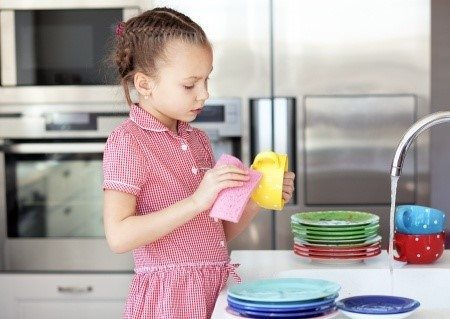 children that helps household tasks